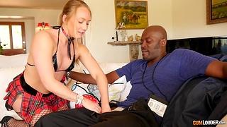 AJ Applegate gives a BJ to FBI beggar to bandage up her criminal fixture