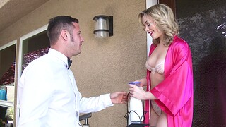 Lifelike going to bed on the bed with trimmed pussy Mia Malkova