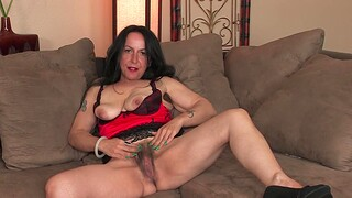 Kinky MILF Nina Swiss loves teasing with her hairy pussy more than the couch