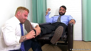 Video of two dudes having extraordinary time with feet skunk handy home