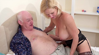 Dude with a stiff dick fucks his sexy wife Molly Maracas on chum around with annoy bed